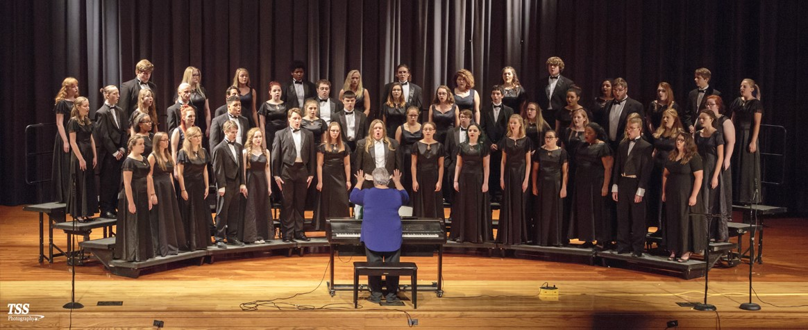 <br><b>CHS Symphonic Choir</b><br>